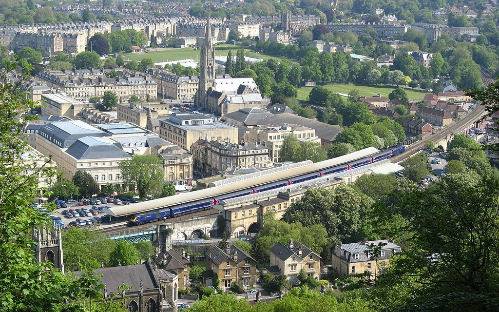 1024px-bath_spa_railway_station_from_beechen_cliff